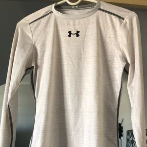 Youth XL Under Armour fitted top
